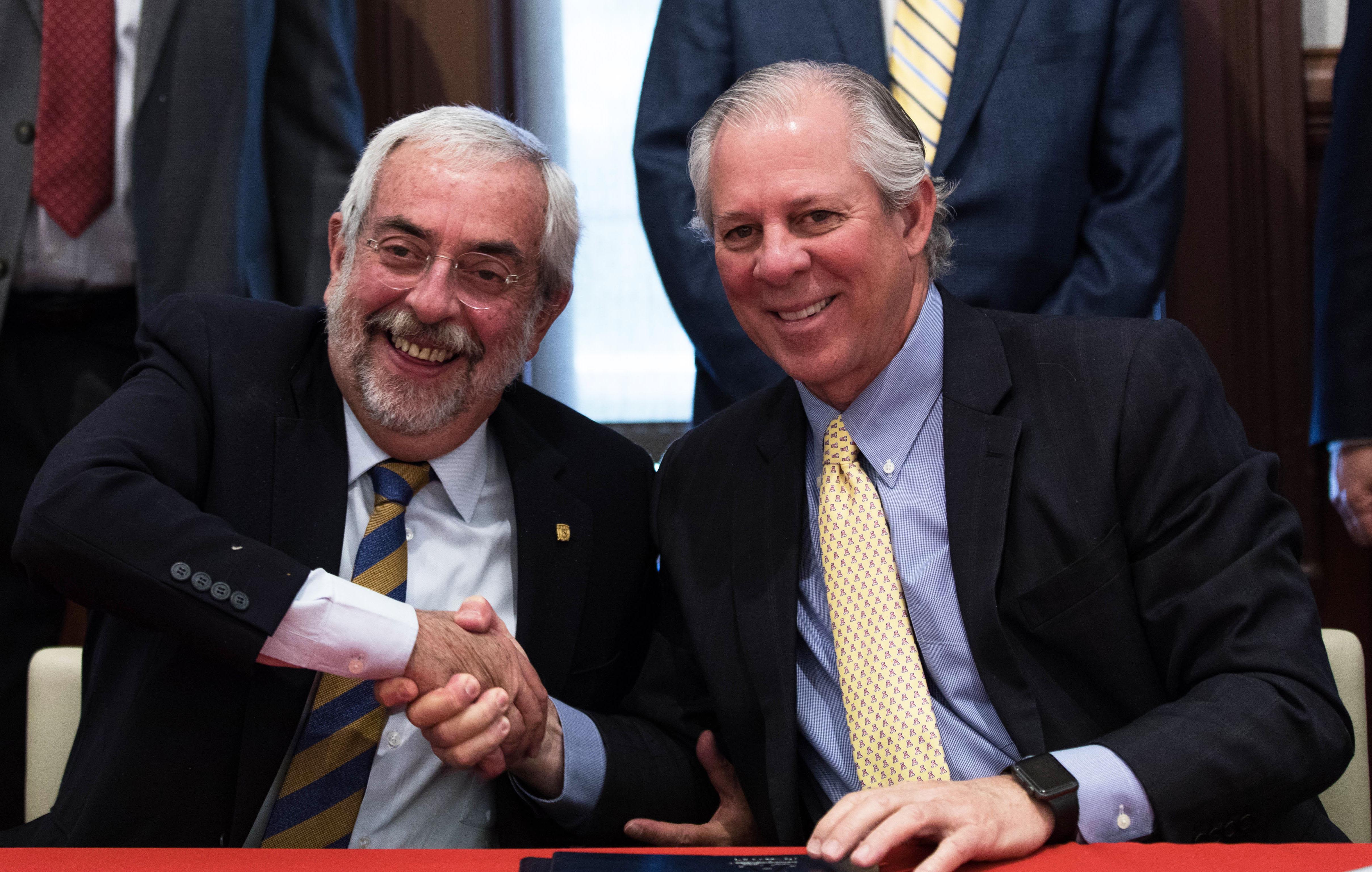 Dr. Enrique Graue Wiechers and Robert C. Robbins